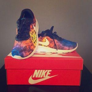 Nike tie dye sneakers